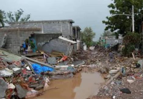 huracán alex 2