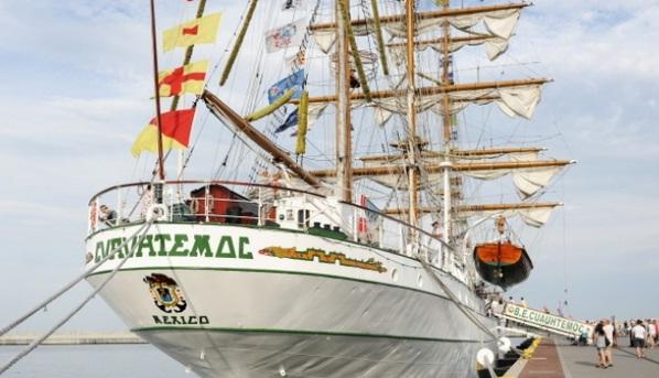 buque Cuauhtémoc