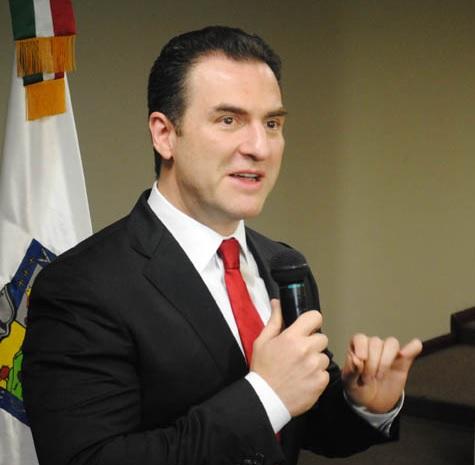 Adrián de la Garza Santos